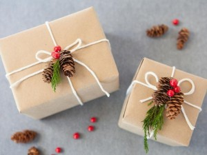 Christmas-Gift-Wrap-nature_s4x3_lg