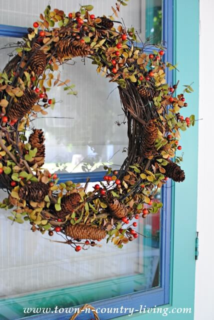 DIY Decorations: Floral Wreath